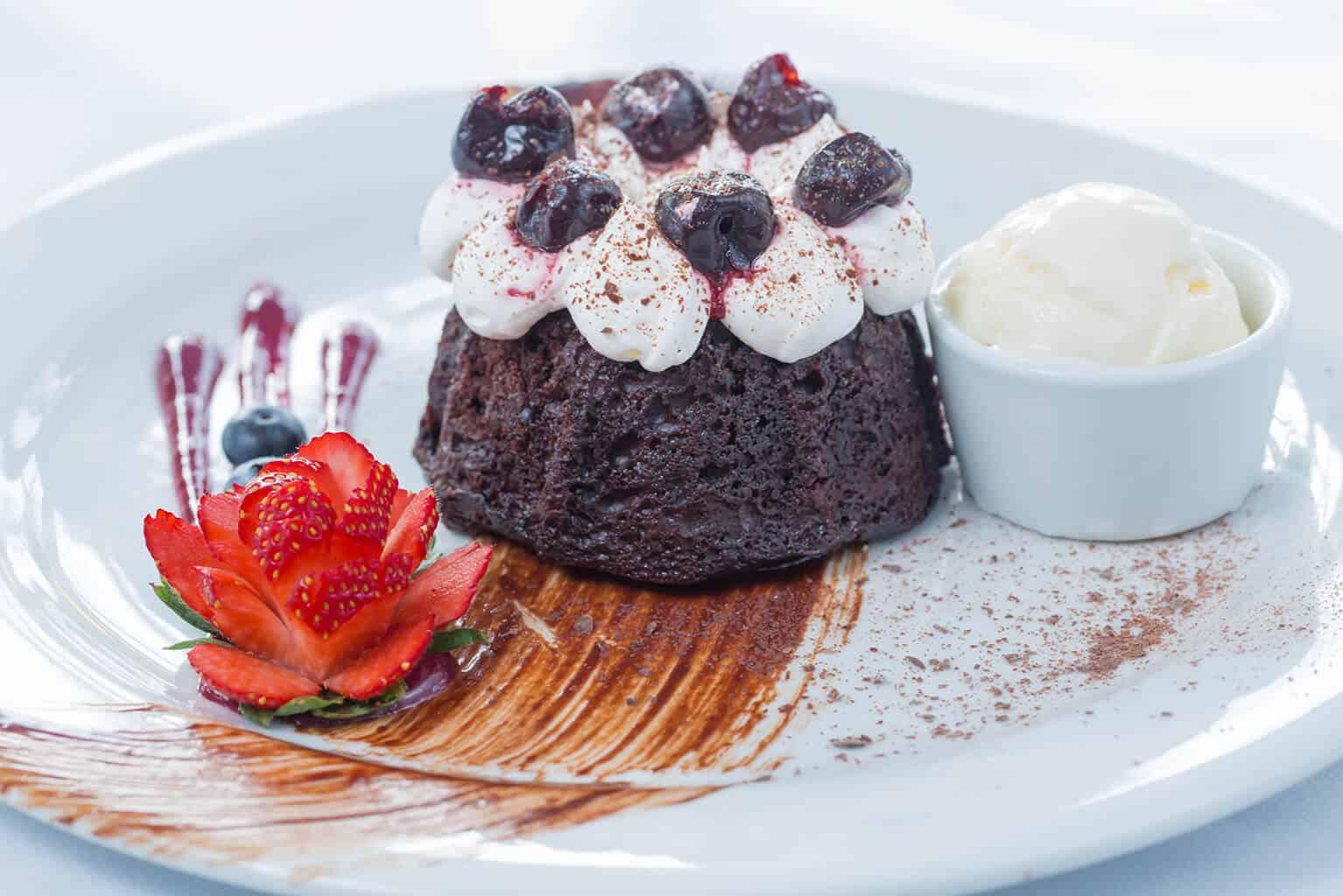 Valentines Resort and Marina Dining